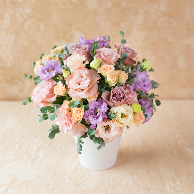 花キューピットのサブブランド、プシュケのフラワーアレンジメント。テーマはエレガント。ラベンダーアプリコットモーヴピンク。